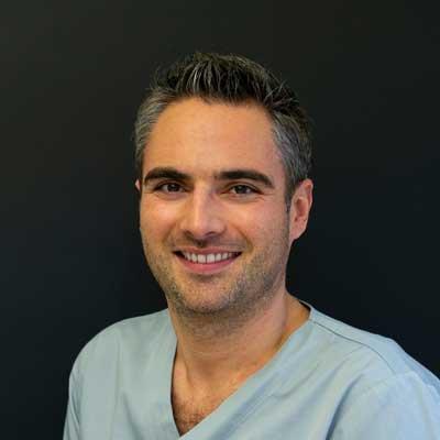 Dr. Dejan Vucak